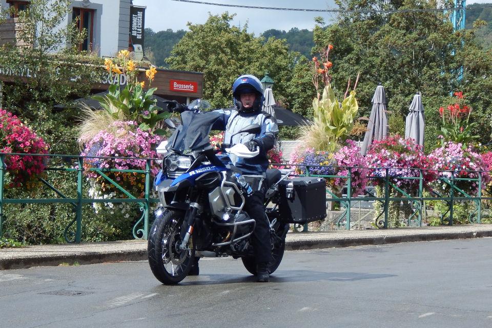 Motorrijbewijspoint Hoensbroek examengarantie AVB en AVD